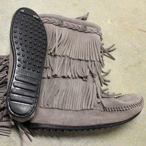Girl's Minnetonka Boot size 3